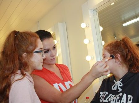 teenage makeup workshop, grainne mccoy teenage, makeup artist,